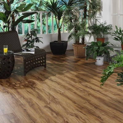 China Waterproof Durable Vinyl Click System Flooring With Wood Grain / Marble Grain factory