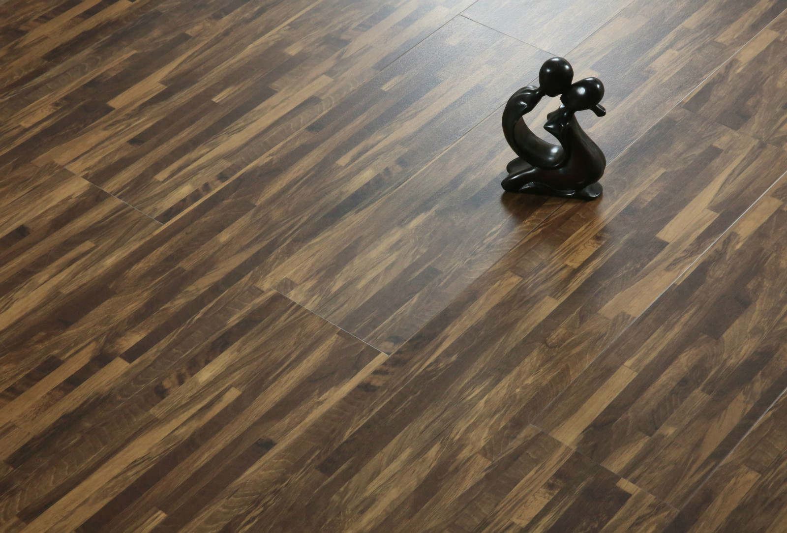 Flooring With Realistic Wood Patterns